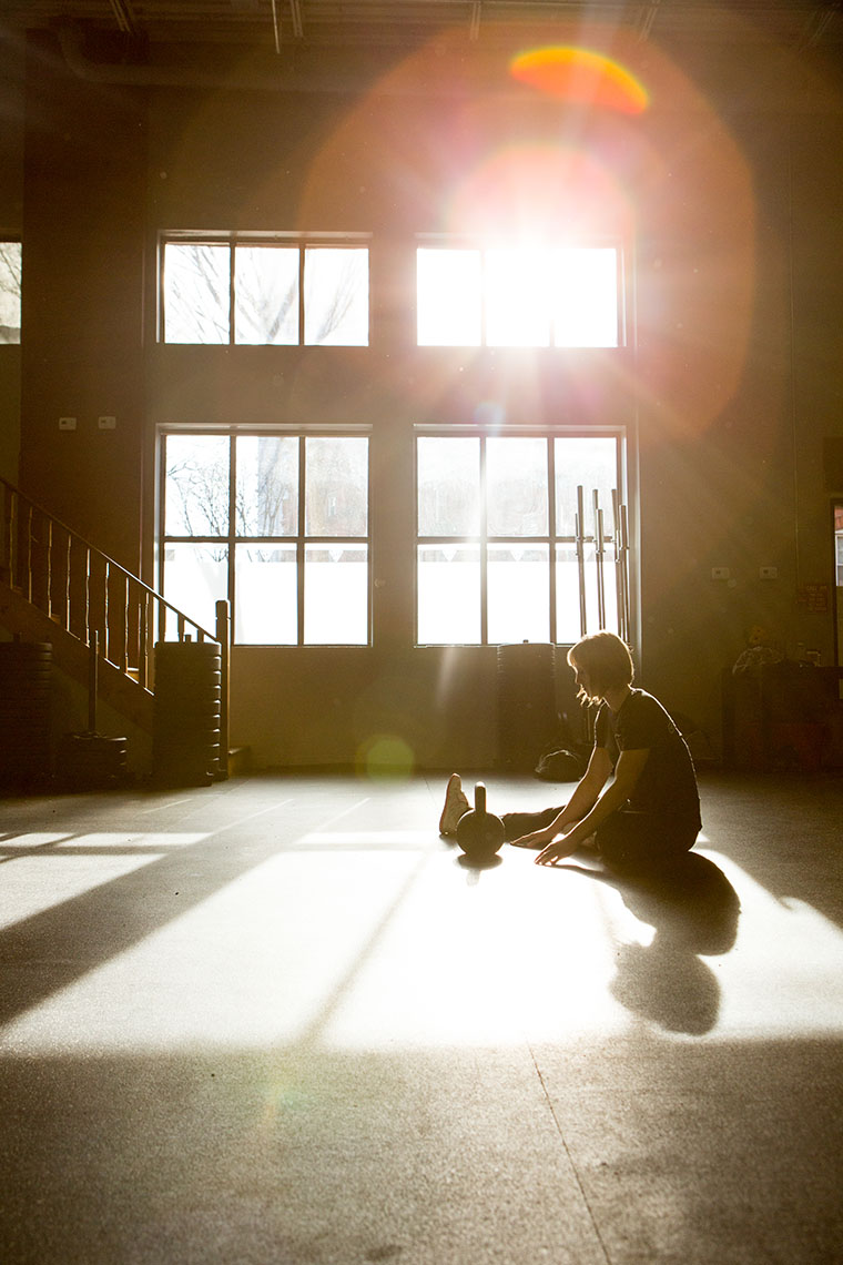Philadelphia-Photographer-Athlete-Stretching-Sunburst